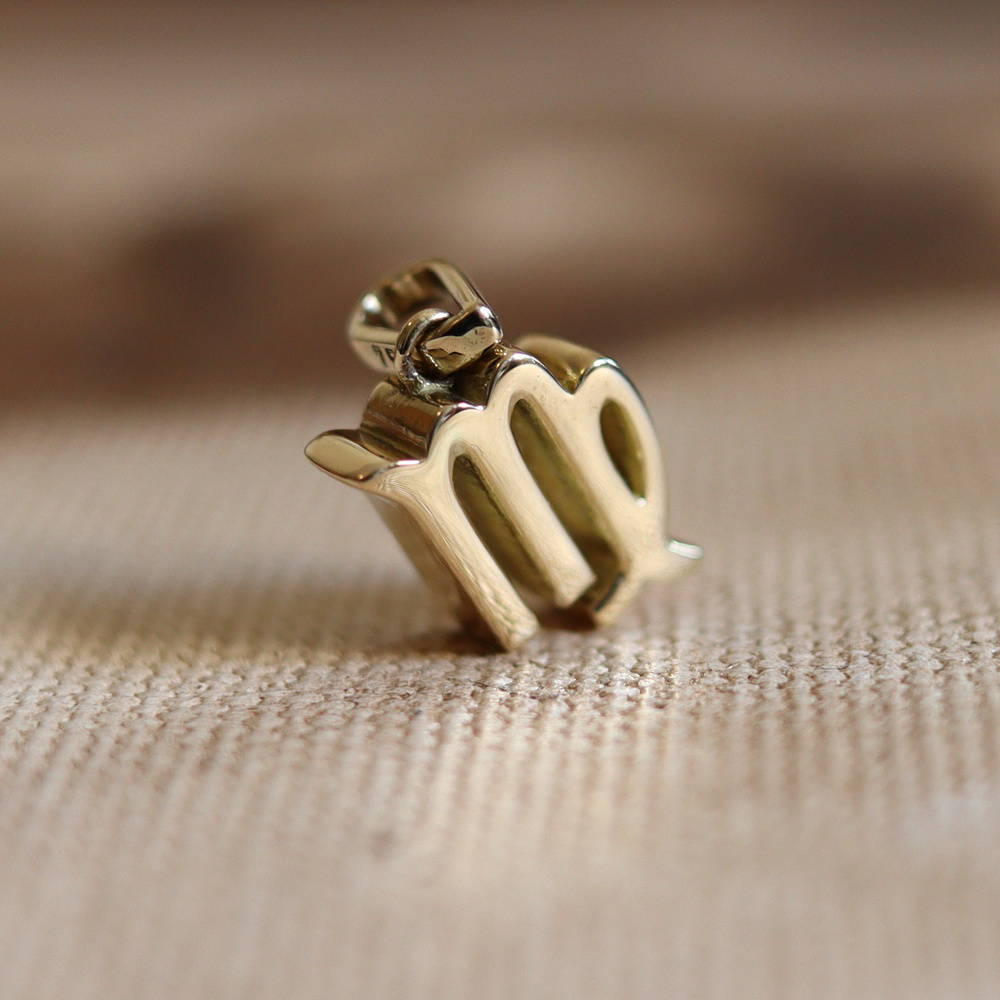 Zodiac virgin pendant solid Gold Foto